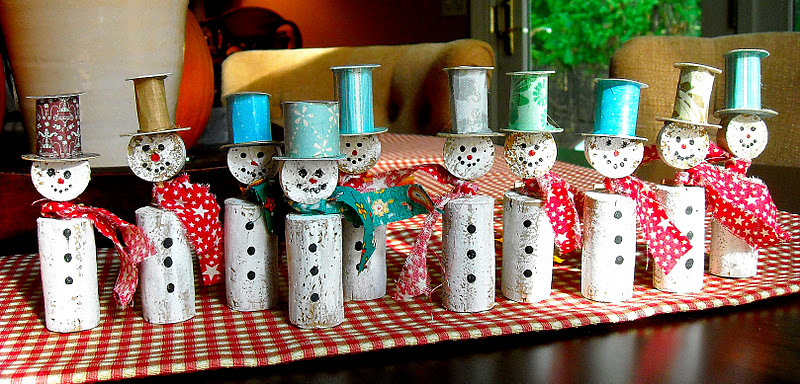 Wine-cork-christmas-decorations-DIY-lifepopper-holiday-fun-mood-1.jpg