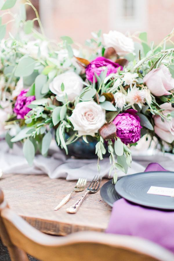Purple-and-Green-Wedding-Flowers-Photo