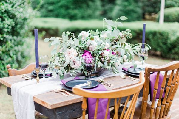 Purple-And-Green-Table-Setting-Photo