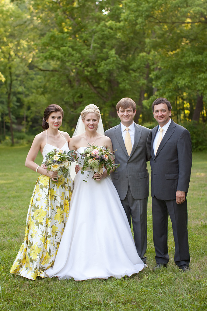 yellow-southern-summer-wedding-Chesley-Summar-Photography-12.jpg