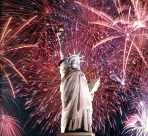 Fourth_of_July_and_Statue_of_Liberty
