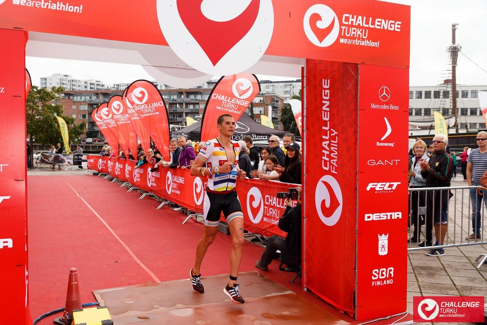 Justin finishing 5th at Challenge Turku