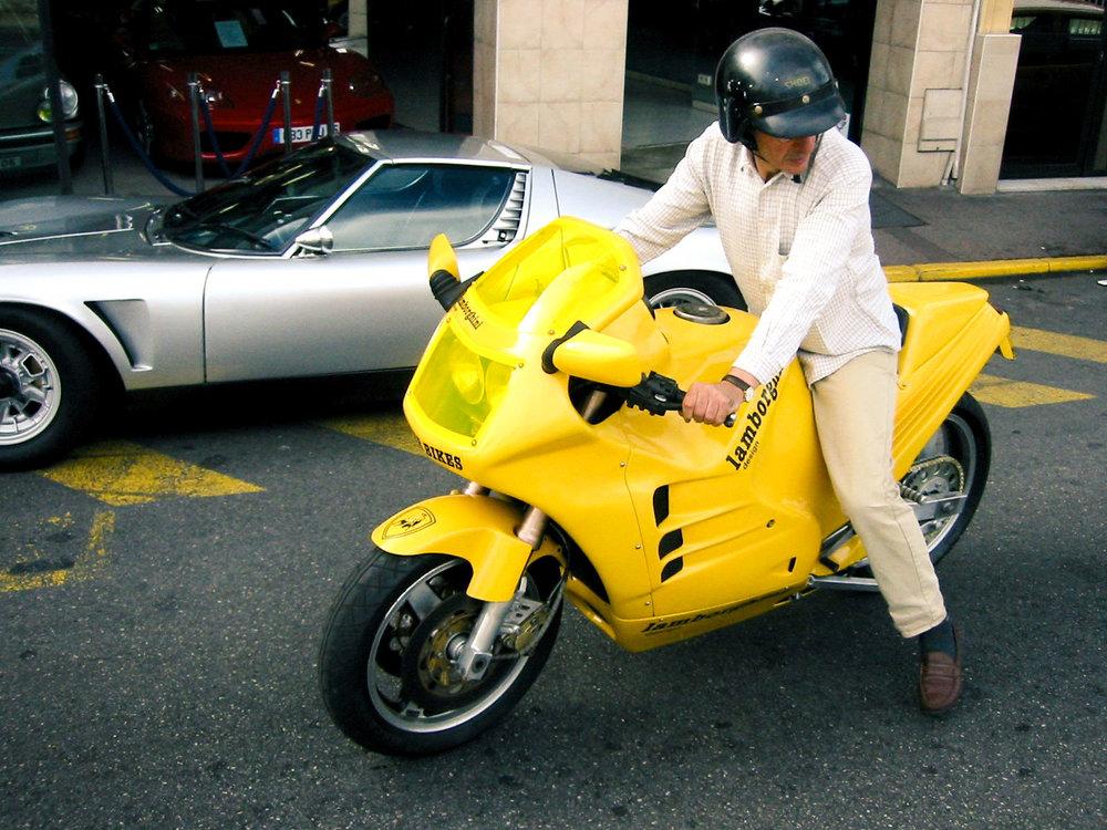 lamborghini_design_90_motorcycle.jpg