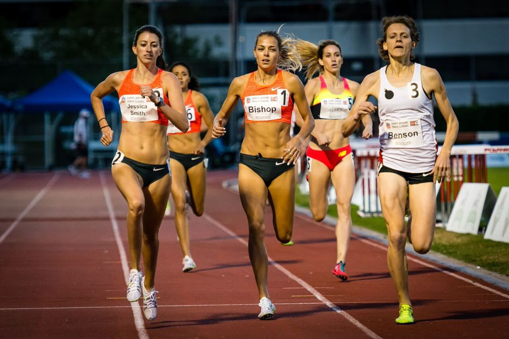 Jessica Smith edges Fiona Benson and Melissa Bishop in 800m photo by Brian Cliff
