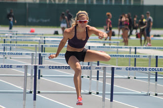 Christie Moerman of Edmonton ran 13.23 in the 100m hurdles in Azusa, CA just 0.09 second off her personal best. The World Universiade standard is 13.60
