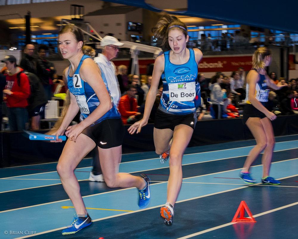 U16 WOMEN Emma De Boers(Ocean Athletics)     hoto by Brian Cliff