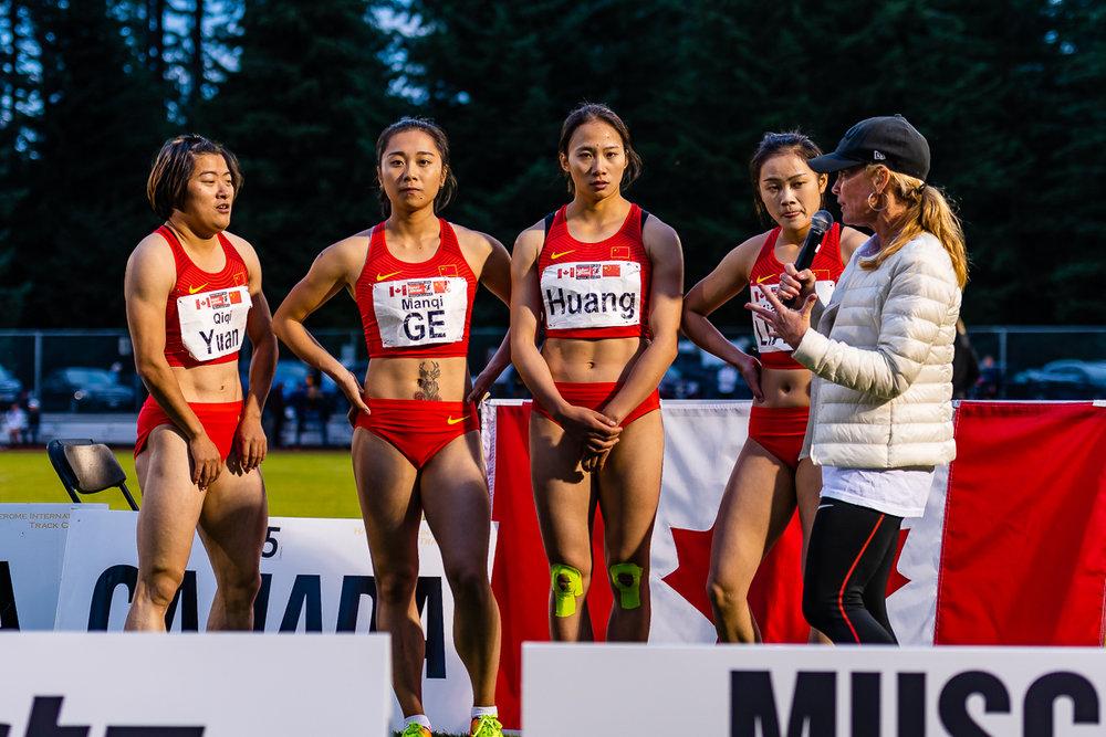 China wins 4x100m women from left, YUAN Qiqi, Ge Manqi, HUANG Guifen,LIANG Xiaojing with Lynn Kanuka  photo; Brian Cliff