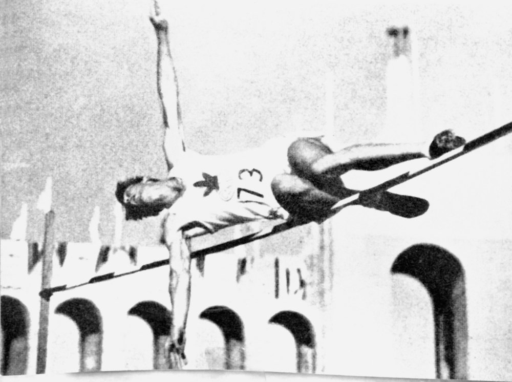 Duncan McNaughton winning gold medal at 1932 Olympic Games in Los Angeles