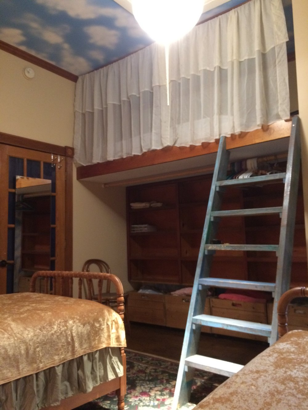 photo #1- 3 Twin Bedroom
