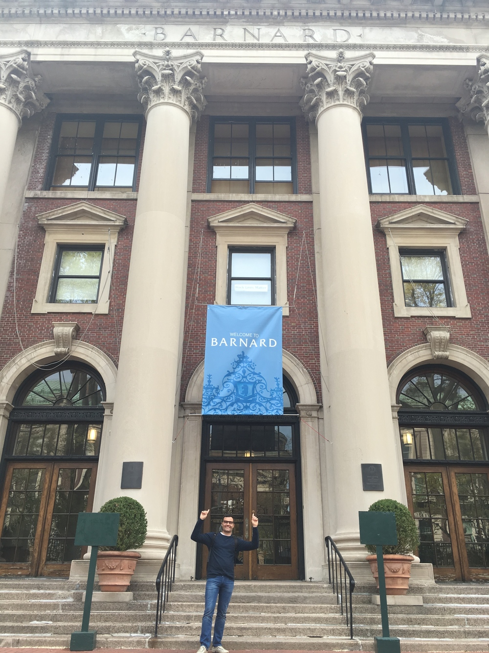 Murilo breaks into Barnard's all-girls' campus!