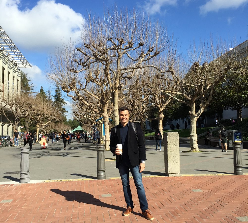 Murilo takes a stroll down Telegraph Avenue, which is next to Berkeley