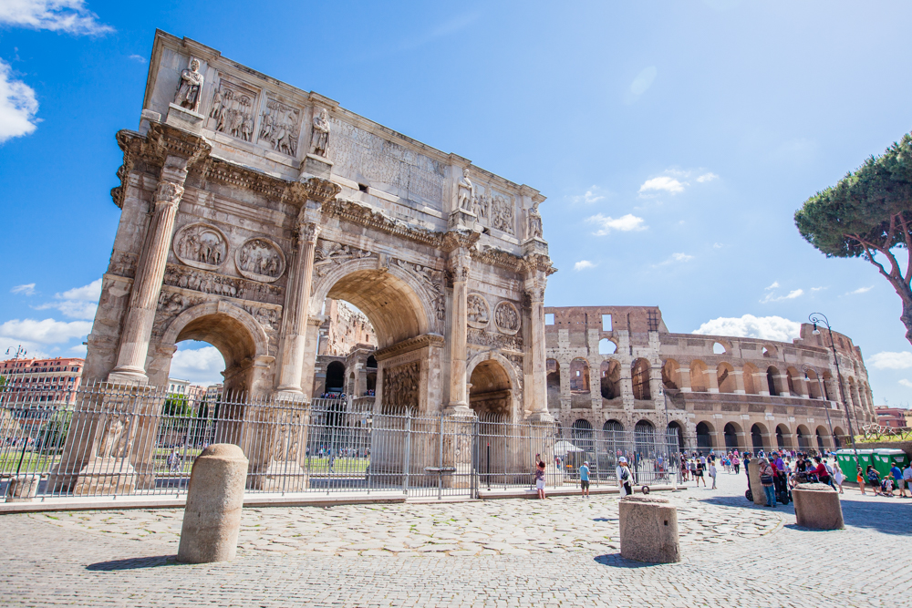The Arch of Constantine (315 AD)