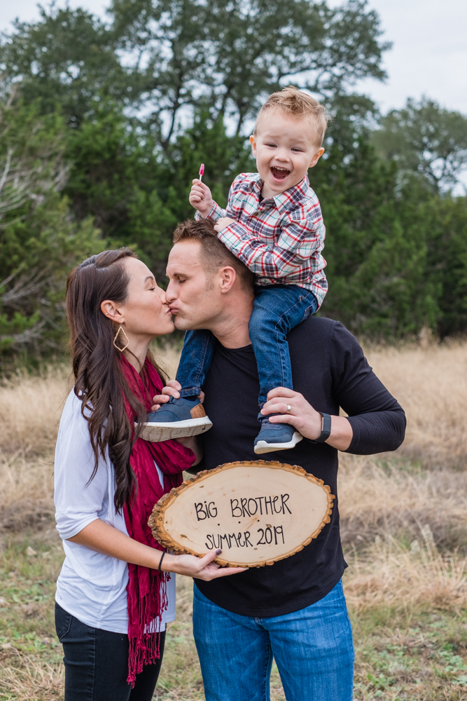 austin pregnancy announcement family session houston photographer
