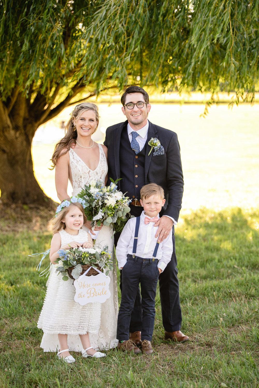 LINDSAY_WEDDING_BORN_TO_RUN_FARM_2199.jpg