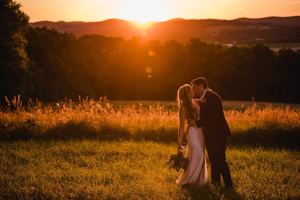 LINDSAY_WEDDING_BORN_TO_RUN_FARM_3789.jpg