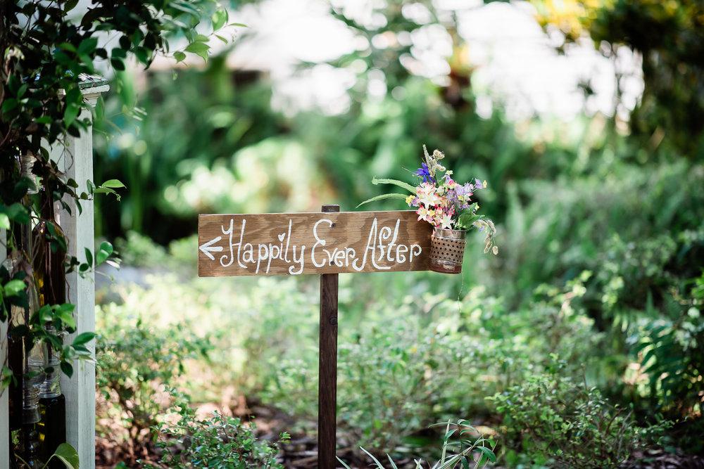 TAMPA_WEDDING_GIGIS_COUNTRY_GARDEN_CJMZ_Z85_9093.jpg