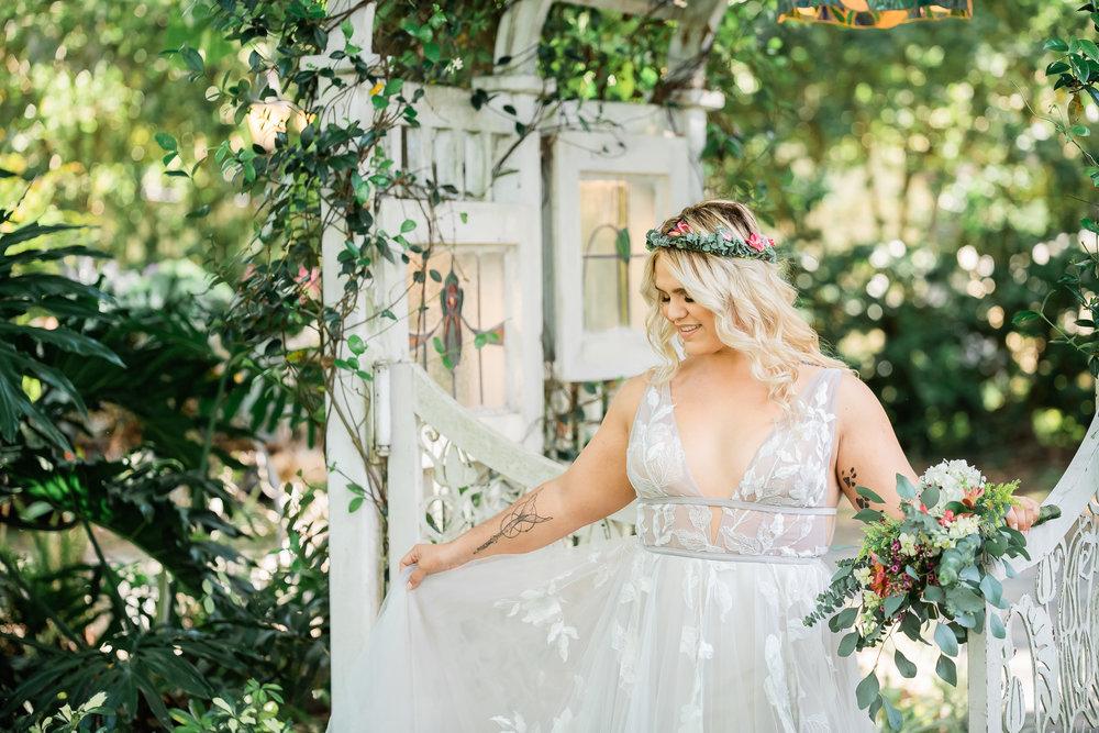 TAMPA_WEDDING_GIGIS_COUNTRY_GARDEN_CJMZ_Z85_9291.jpg