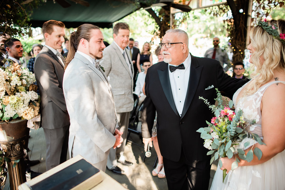 TAMPA_WEDDING_GIGIS_COUNTRY_GARDEN_CJMZ_D82_4540.jpg