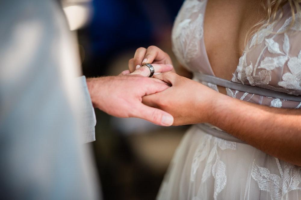 TAMPA_WEDDING_GIGIS_COUNTRY_GARDEN_CJMZ_Z85_9478.jpg