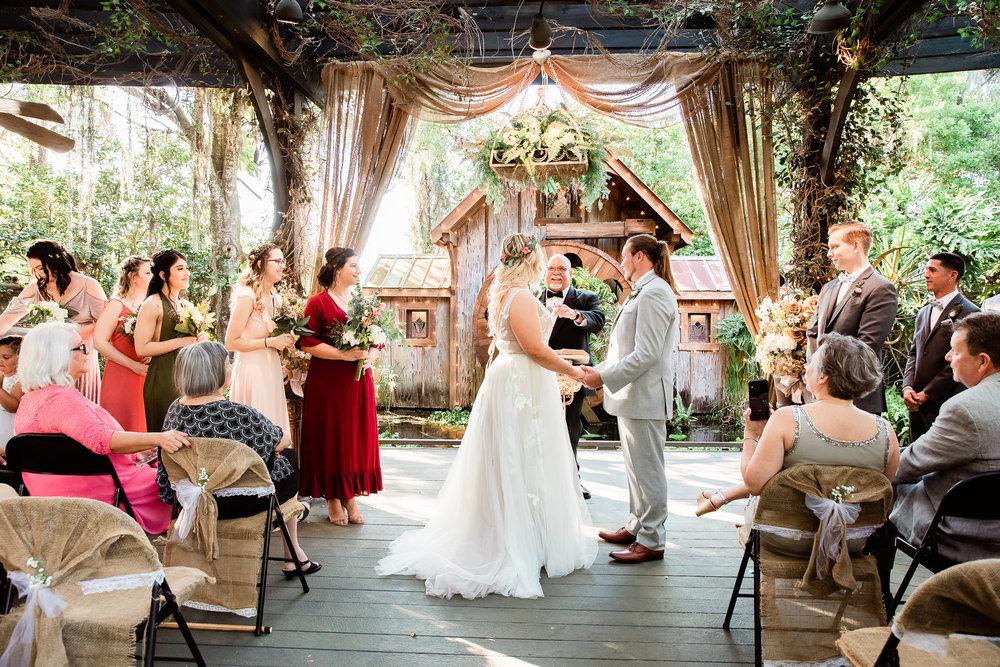 TAMPA_WEDDING_GIGIS_COUNTRY_GARDEN_CJMZ_TJP48216.jpg
