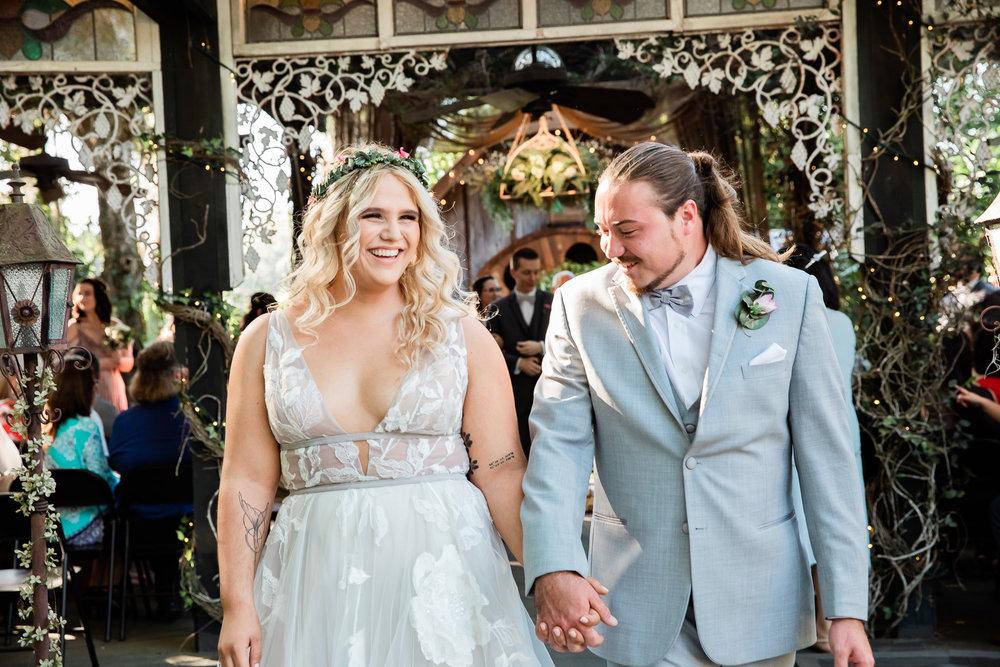 TAMPA_WEDDING_GIGIS_COUNTRY_GARDEN_CJMZ_TJP48231.jpg