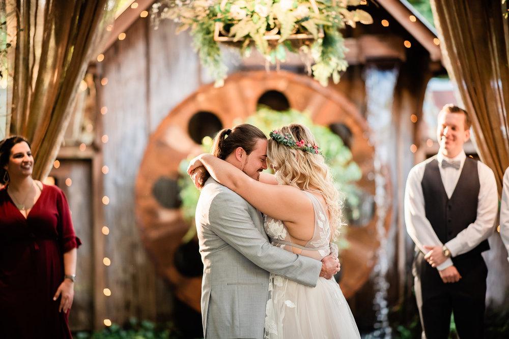 TAMPA_WEDDING_GIGIS_COUNTRY_GARDEN_CJMZ_Z85_0171.jpg