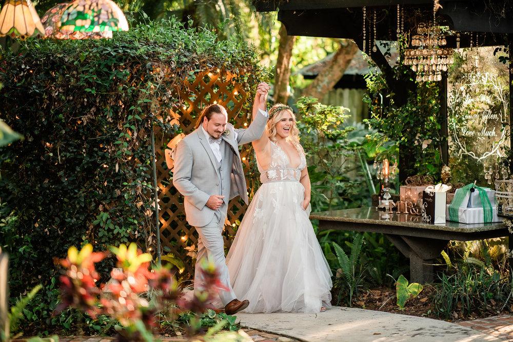 TAMPA_WEDDING_GIGIS_COUNTRY_GARDEN_CJMZ_Z85_0155.jpg
