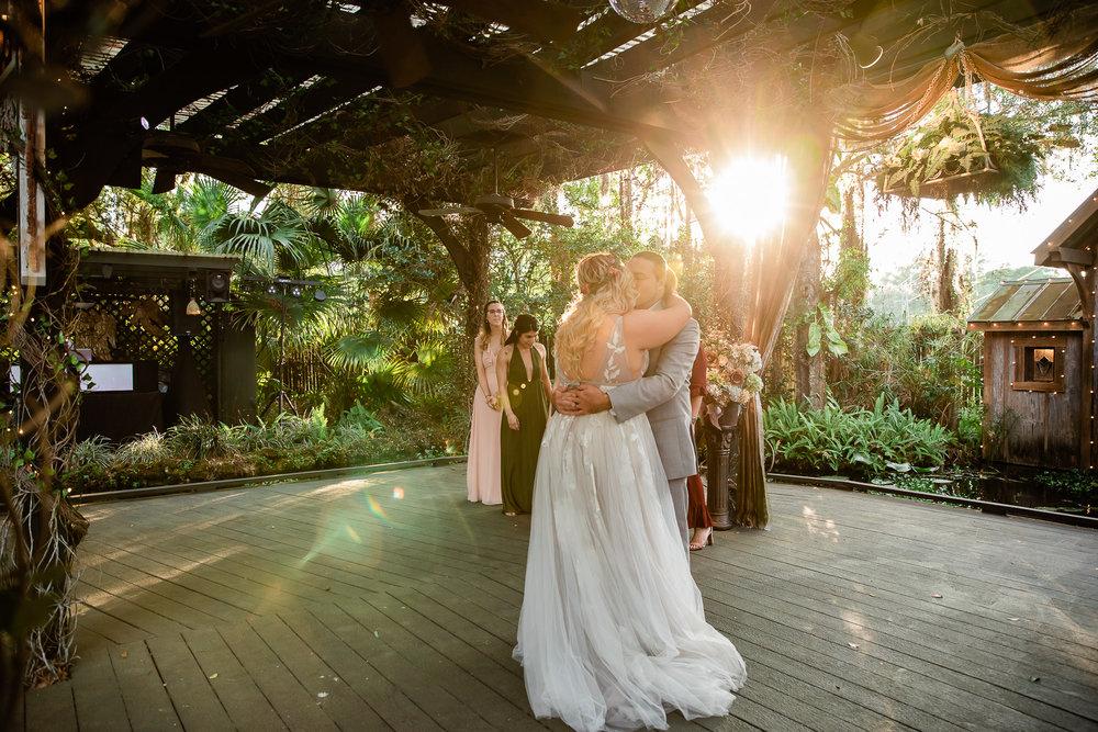 TAMPA_WEDDING_GIGIS_COUNTRY_GARDEN_CJMZ_TJP48379.jpg