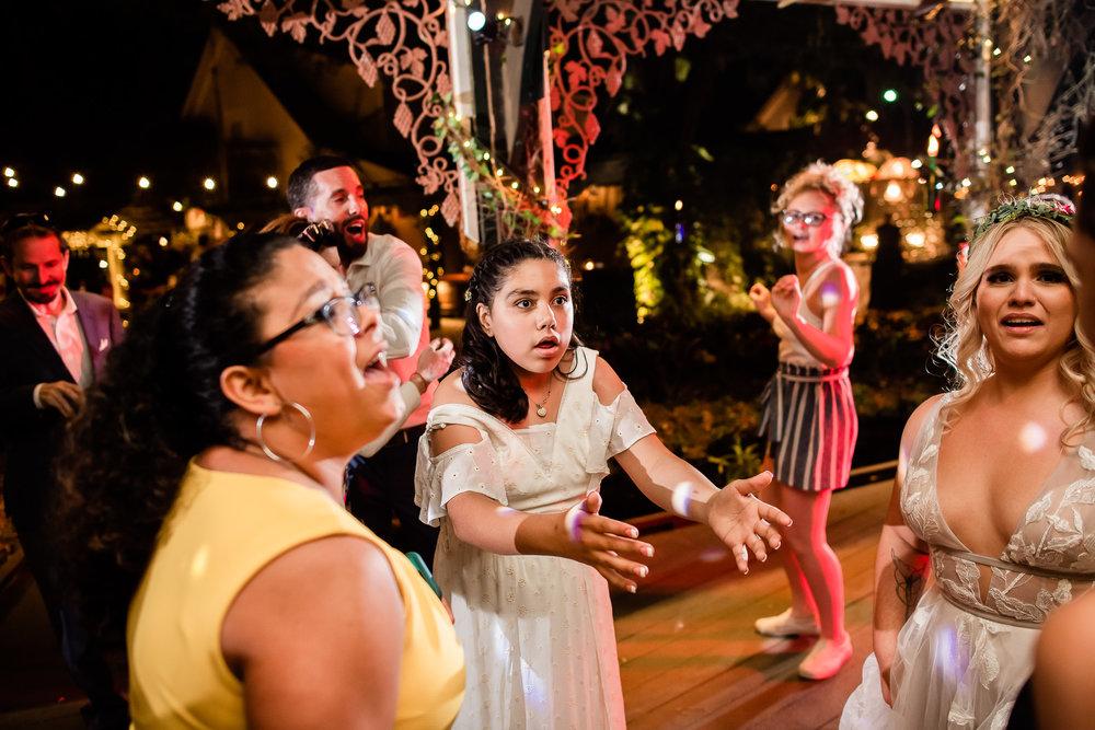 TAMPA_WEDDING_GIGIS_COUNTRY_GARDEN_CJMZ_D82_5249.jpg