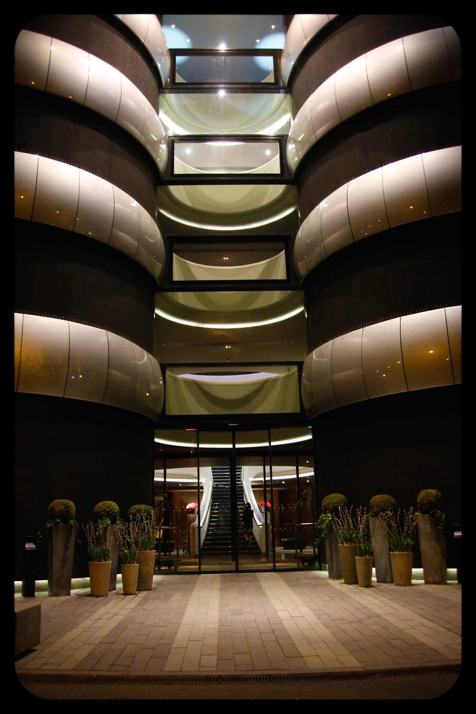 James & Reeja Farnborough hotel-13-2.jpg
