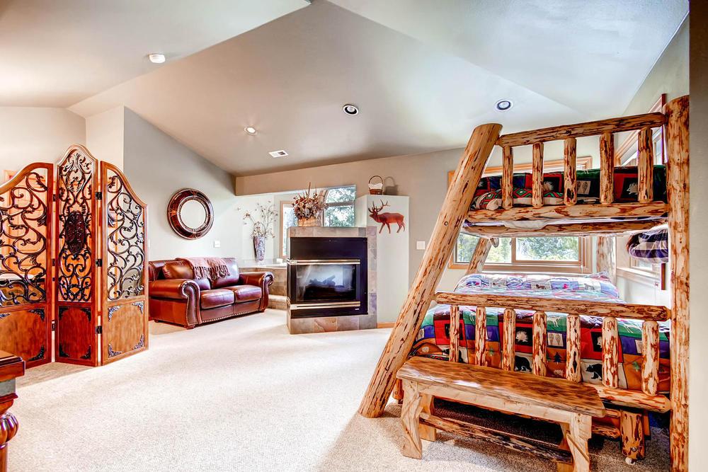 476 Deer Trail Dr Fairplay CO-large-019-2nd Floor Master Bedroom-1500x1000-72dpi.jpg