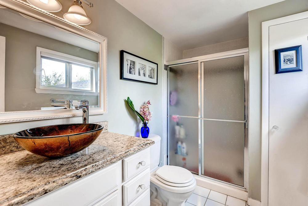 852 E Briarwood Circle S-large-017-2nd Floor Master Bathroom-1499x1000-72dpi.jpg
