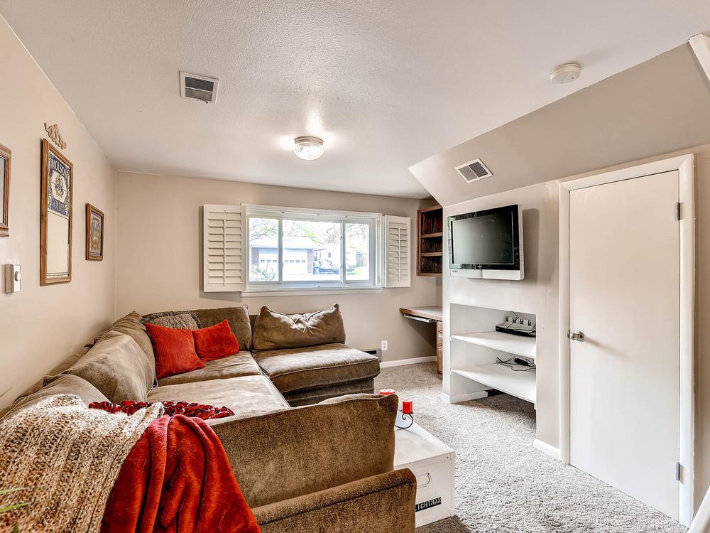 852 E Briarwood Circle S-MLS_Size-021-Lower Level Recreation Room-1600x1200-72dpi.jpg