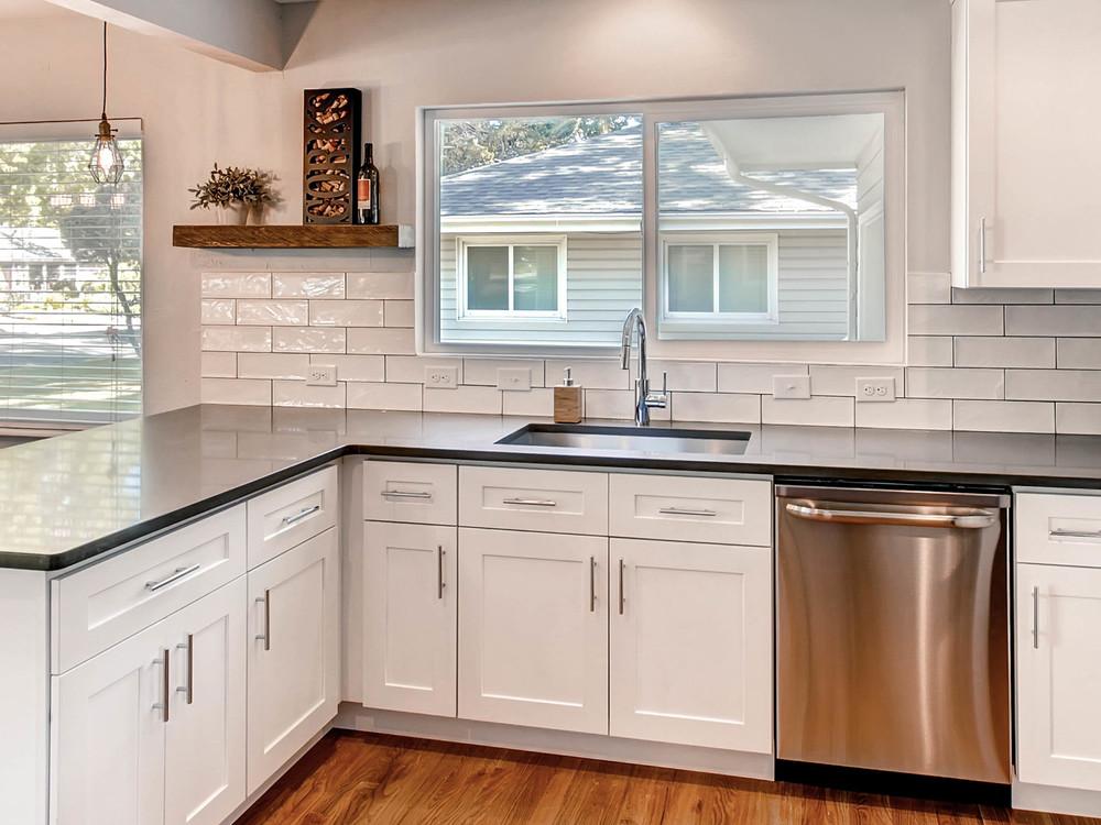 2521 S Bellaire St Denver CO-MLS_Size-013-12-Kitchen-2048x1536-72dpi.jpg