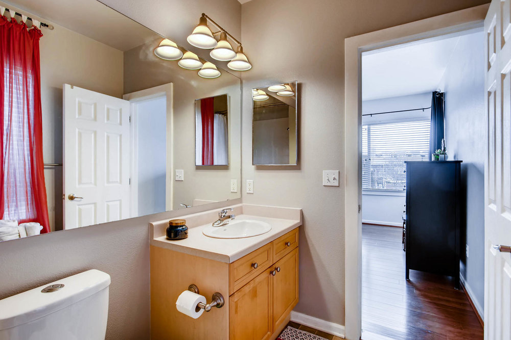 2808 Syracuse Street 216-MLS_Size-016-25-Master Bathroom-1800x1200-72dpi.jpg