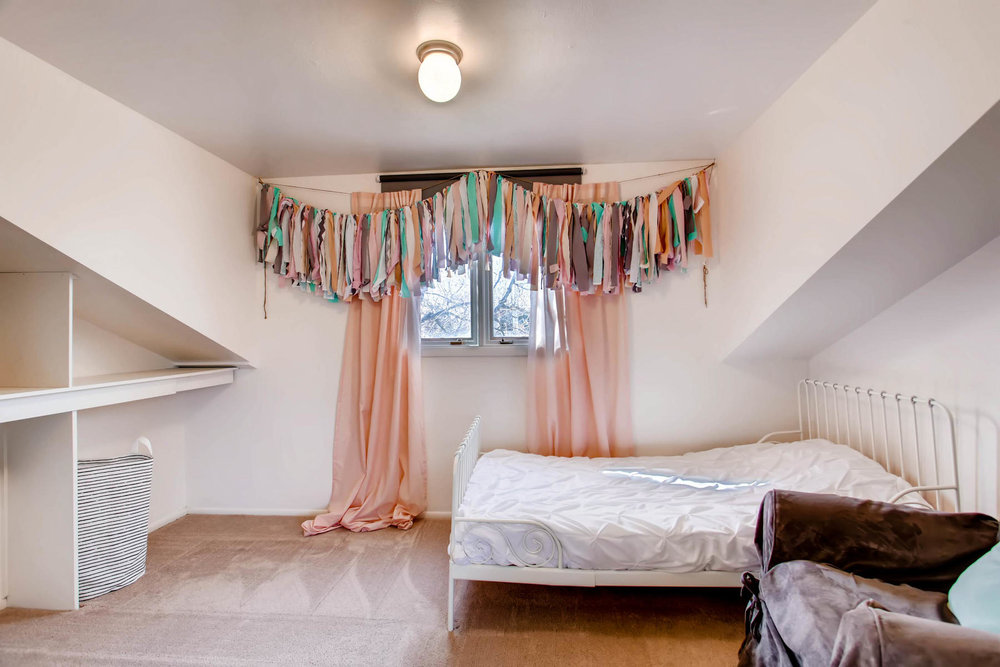 12626 E Bates Cir Aurora CO-MLS_Size-024-39-2nd Floor Bedroom-1800x1200-72dpi.jpg