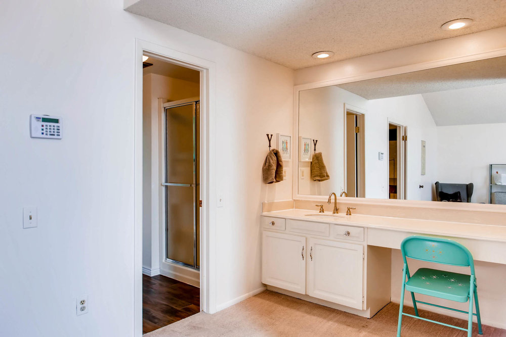12626 E Bates Cir Aurora CO-MLS_Size-019-7-2nd Floor Master Bathroom-1800x1200-72dpi.jpg