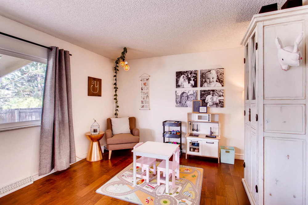 12626 E Bates Cir Aurora CO-MLS_Size-015-28-Family Room-1800x1200-72dpi.jpg