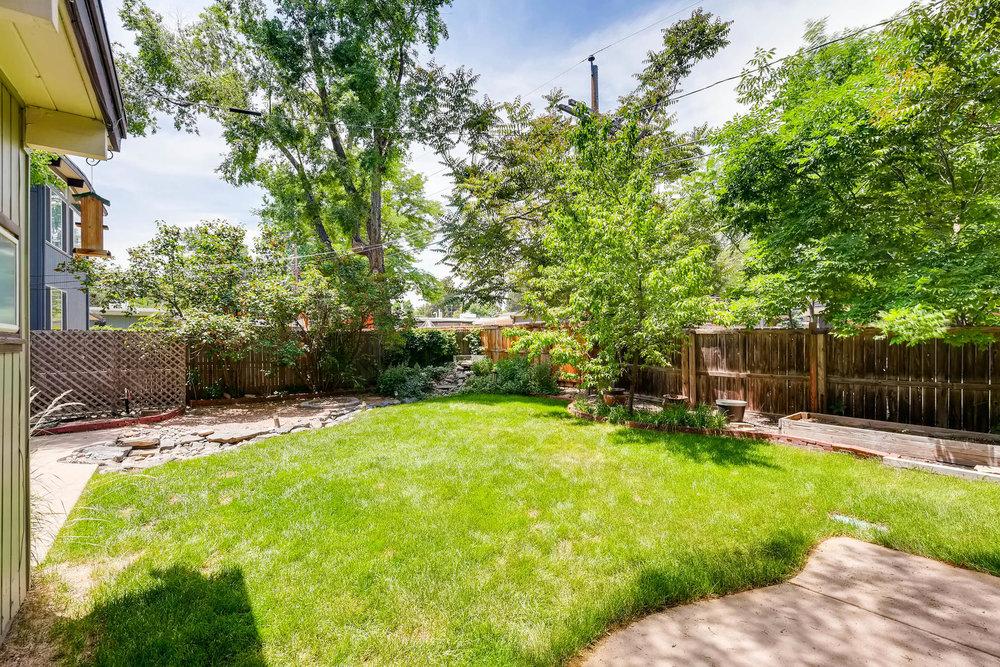 1373 S Eudora St Denver CO-MLS_Size-026-21-Back Yard-1800x1200-72dpi.jpg