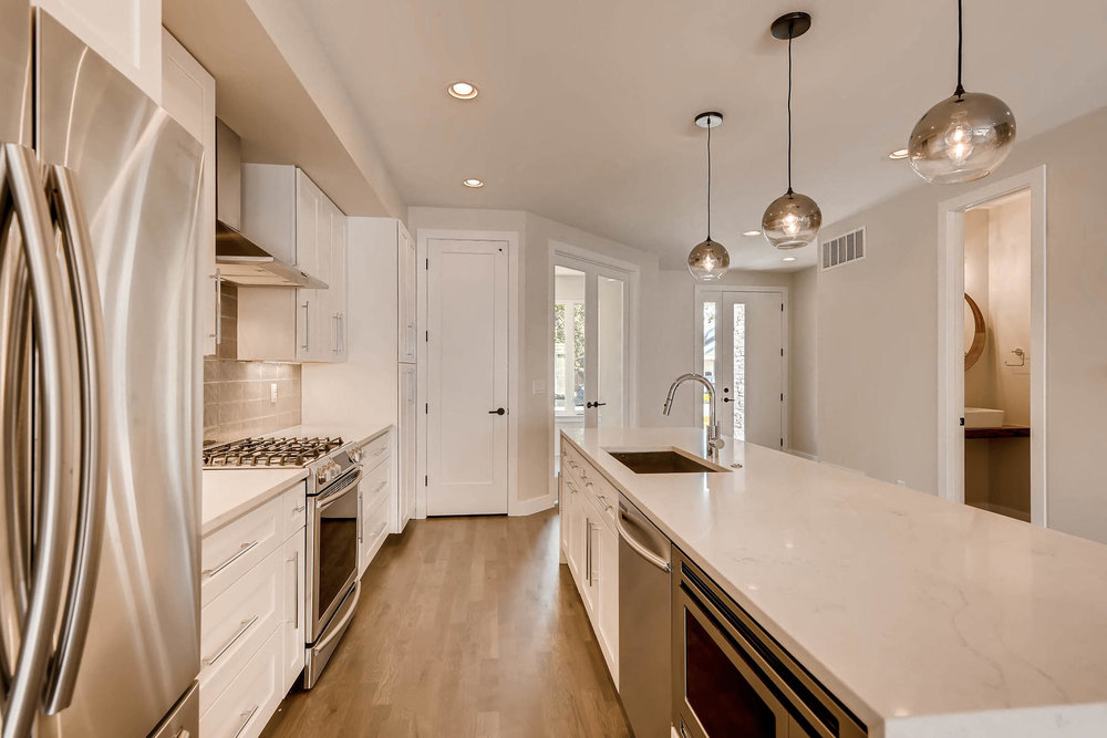 2753 S Acoma St Englewood CO-012-6-Kitchen-MLS_Size.jpg