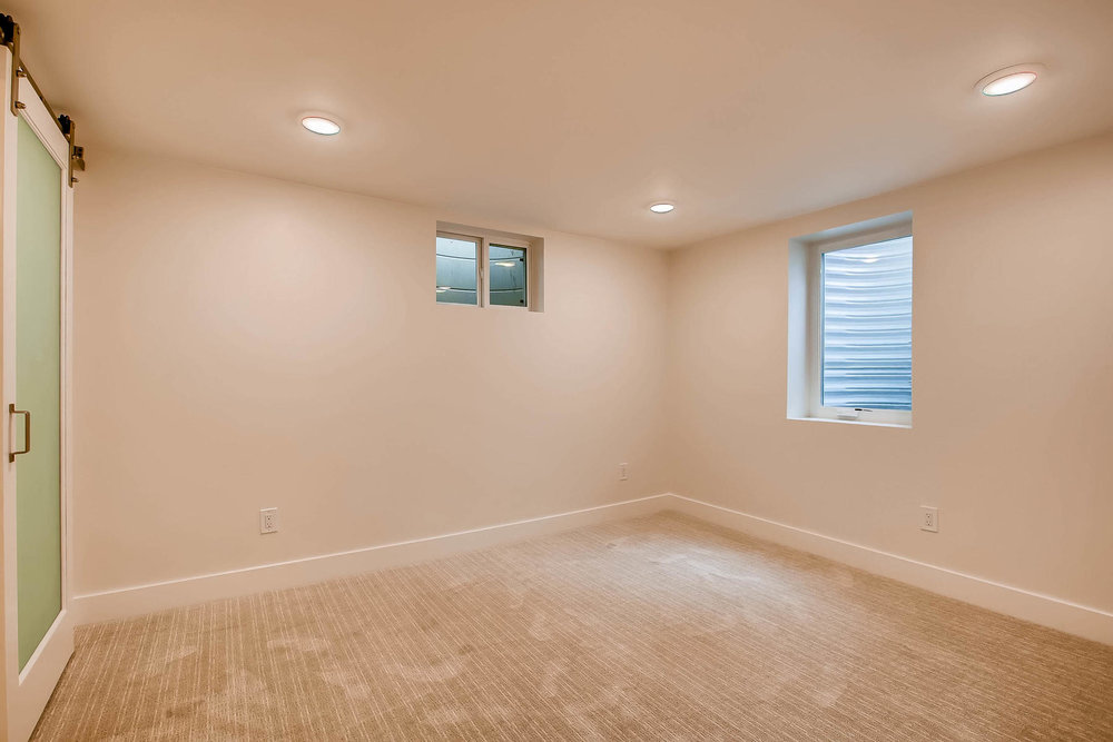 1827 S Jasmine Street Denver-018-19-Lower Level Master Bedroom-MLS_Size.jpg