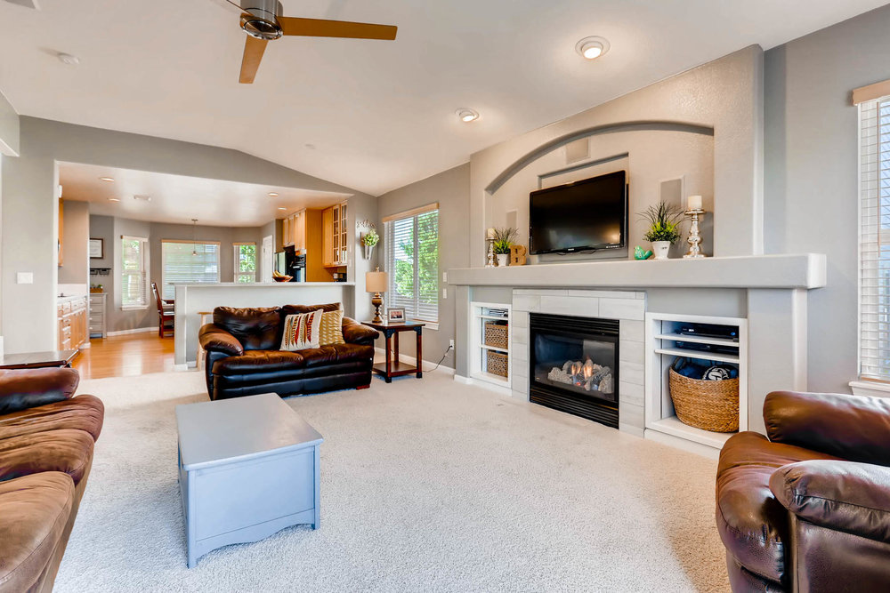 2577 S Flanders Court Aurora-004-3-Living Room-MLS_Size.jpg