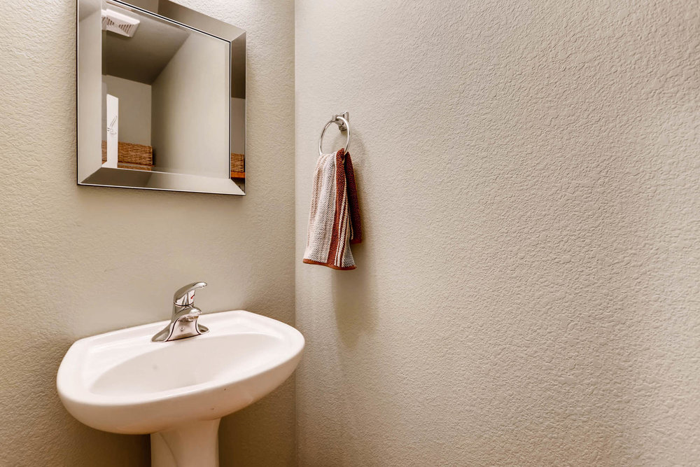 2577 S Flanders Court Aurora-011-16-Powder Room-MLS_Size.jpg