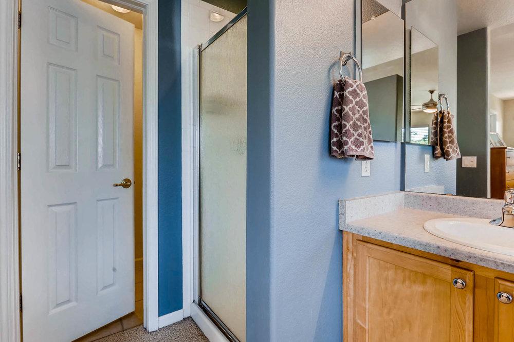 2577 S Flanders Court Aurora-016-6-Master Bathroom-MLS_Size.jpg