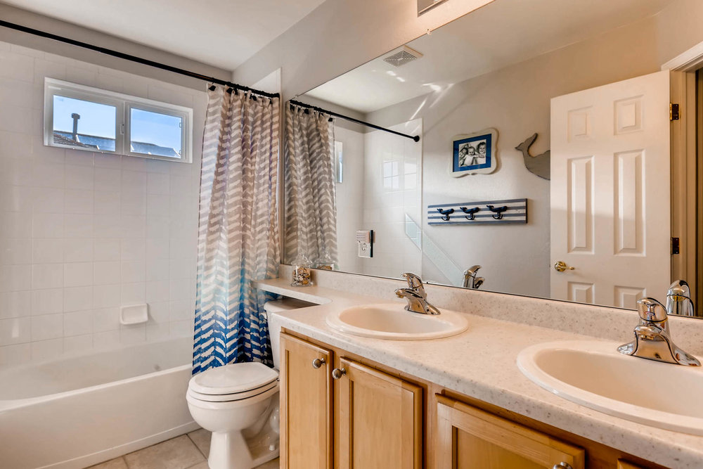 2577 S Flanders Court Aurora-020-26-2nd Floor Bathroom-MLS_Size.jpg
