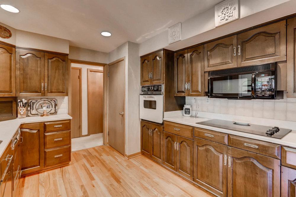 2912 S Race Street Denver CO-013-22-Kitchen-MLS_Size.jpg