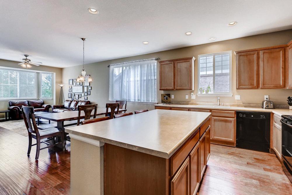 3385 S Jericho St Aurora CO-009-15-Kitchen-MLS_Size.jpg
