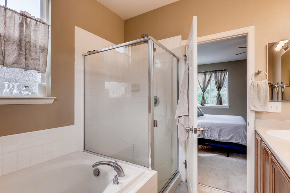 3385 S Jericho St Aurora CO-016-8-Master Bathroom-MLS_Size.jpg