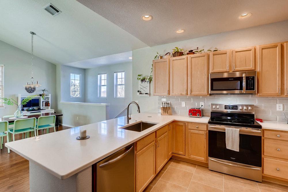 2142 S Fulton Cir 204 Denver-007-11-Kitchen-MLS_Size.jpg