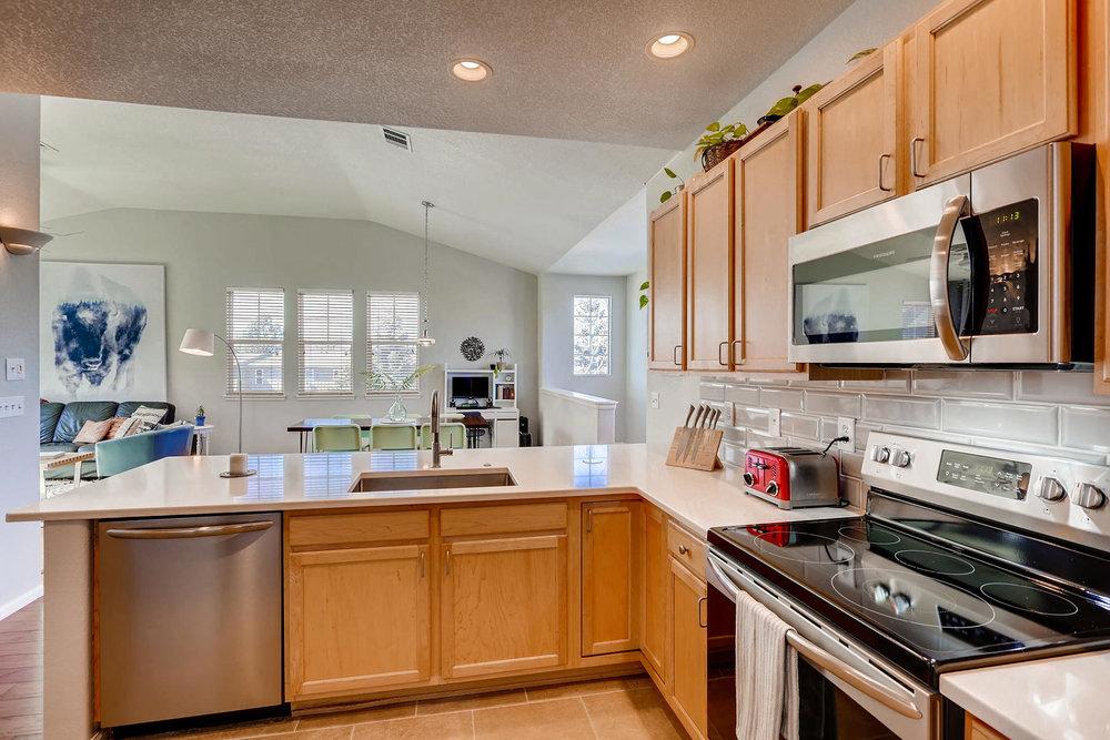 2142 S Fulton Cir 204 Denver-008-27-Kitchen-MLS_Size.jpg